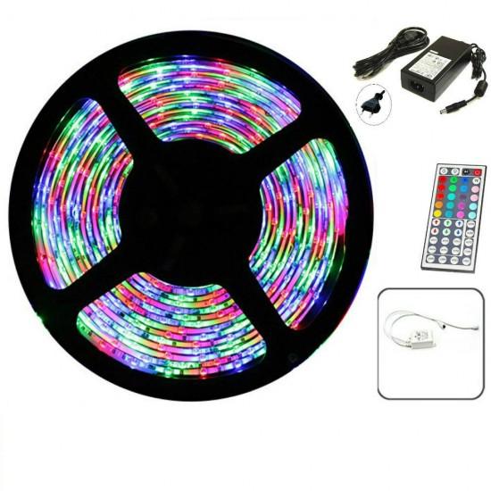 Banda LED multicolora cu telecomanda, 300 LED-uri, lungime 5m