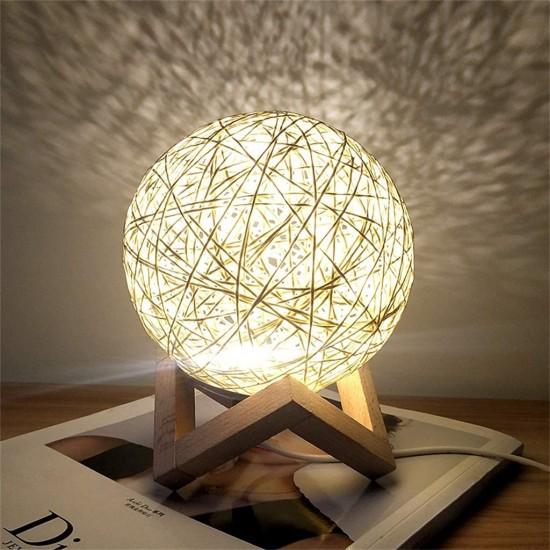 Lampa de veghe cu led, fabricata din lemn de ratan